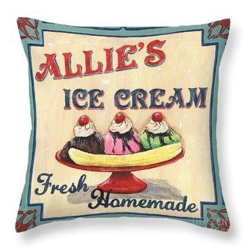 Strawberries Throw Pillows