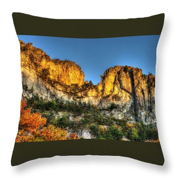 Alpenglow At Days End Seneca Rocks - Seneca Rocks National Recreation Area Wv Autumn Early Evening Throw Pillow