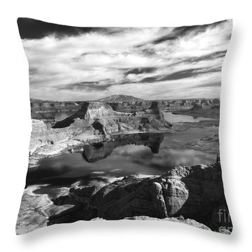 Alstrom Point - Bw Throw Pillow