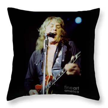 Alvin Lee - Ten Years Later At Oakland Auditorium 1979 Throw Pillow