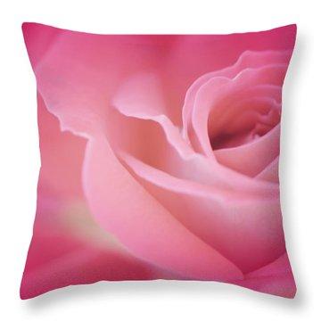 Amar Siempre Throw Pillow