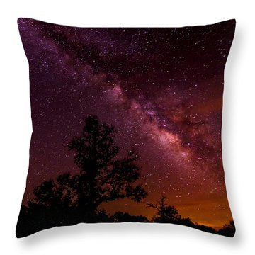 An Image Worth 520 Miles - Milky Way At Enchanted Rock Texas Hill Country Throw Pillow