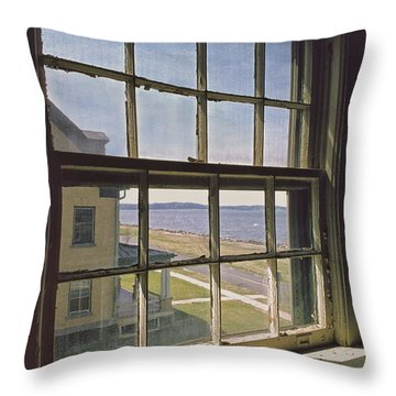 Throw Pillow featuring the photograph An Insider's Look At The Hook by Gary Slawsky