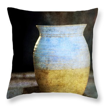 An Old Pot In Vintage Background Throw Pillow