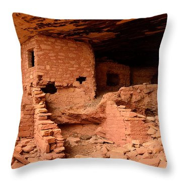 Anasazi Ruins At Comb Ridge Throw Pillow