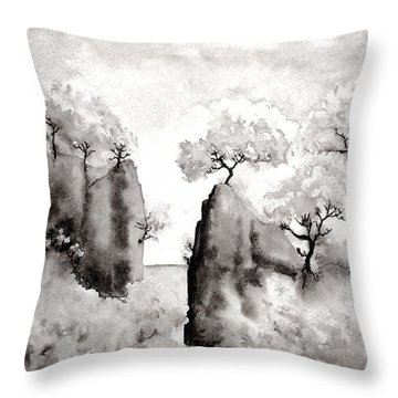 Arbres Separes Throw Pillow