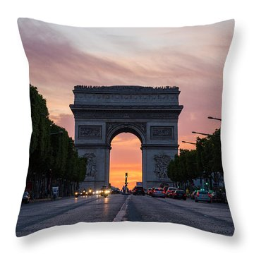 Arch Of Triumph With Dramatic Sunset Throw Pillow