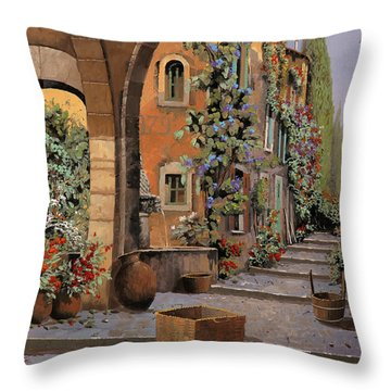 Arco E Arcata Throw Pillow