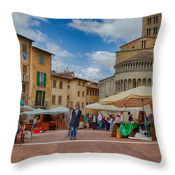 Throw Pillow featuring the photograph Arezzo Market Day by Uri Baruch