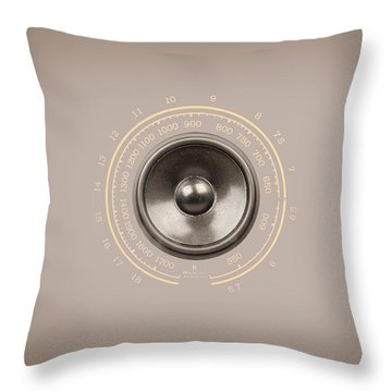 Audio Retro 6 Throw Pillow