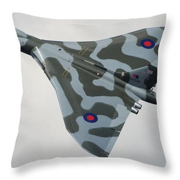 Avro Vulcan B2 Throw Pillow