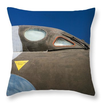 Avro Vulcan B.mk 2 Bomber Throw Pillow