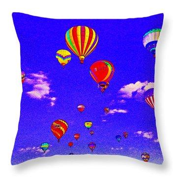 Ballon Race Throw Pillow