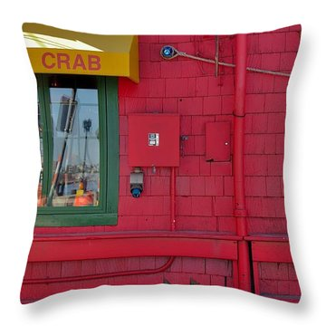 Throw Pillow featuring the photograph Barking Crab by Steven Richman