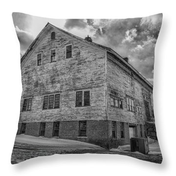 Barn At Amhi   7k00333 Throw Pillow by Guy Whiteley