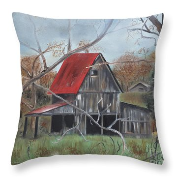 Barn - Red Roof - Autumn Throw Pillow