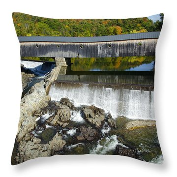 Bath Haverhill Covered Bridge In Autumn Throw Pillow