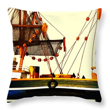 Bathtub Fisherman Throw Pillow