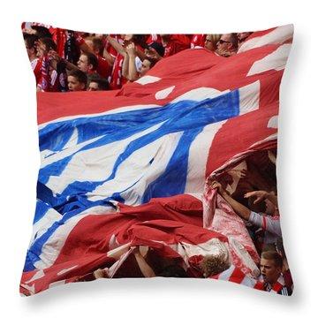 Bayern Munich Fans Throw Pillow