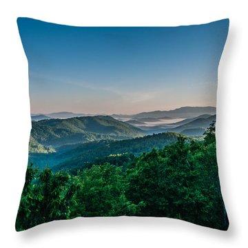 Beautiful Scenery From Crowders Mountain In North Carolina Throw Pillow