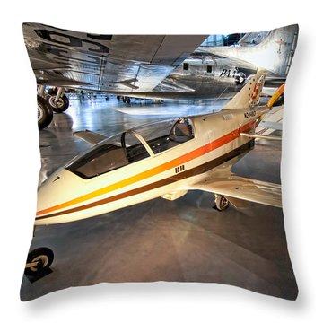 Bede Bd-5b Throw Pillow