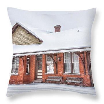 Bellefonte Throw Pillows