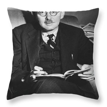 Benet Wins Pulitzer For Poetry Throw Pillow