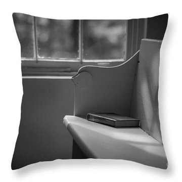 Bethel Church Near The Windsor Ruins In Southwest Mississippi Throw Pillow