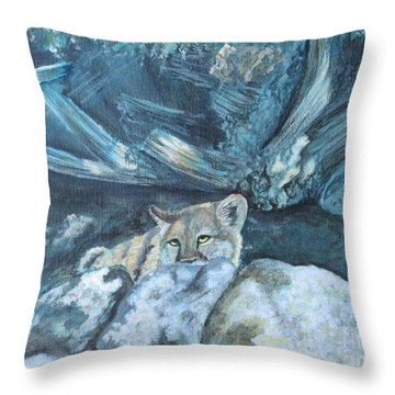 Blending In Throw Pillow by Laurianna Taylor