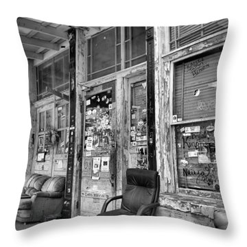 Blues Club In Black And White Throw Pillow