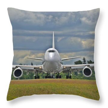 Throw Pillow featuring the photograph Boeing 747-800 by Jeff Cook