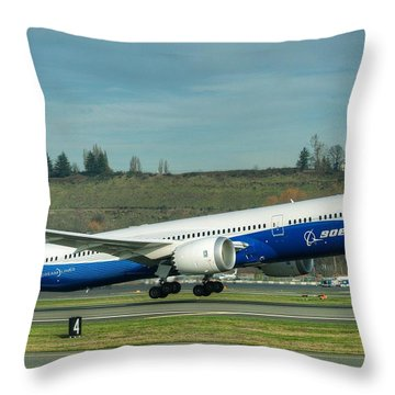 Boeing 787-9 Gets Airborne Throw Pillow