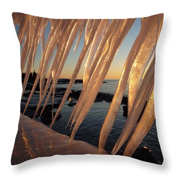 Break Wall Winter Sunrise Throw Pillow