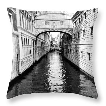 Bridge Of Sighs Bw Throw Pillow