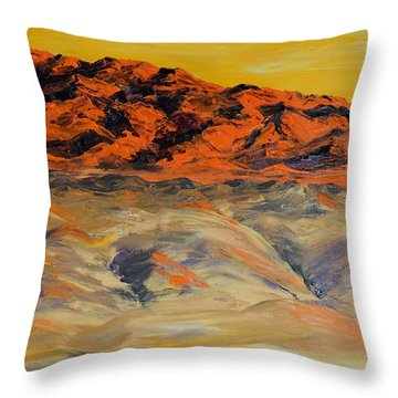 Brilliant Montana Mountains And Foothills Throw Pillow
