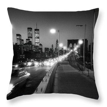 Brooklyn Bridge And Manhattan Skyline At Dusk 1980s Throw Pillow by Gary Eason