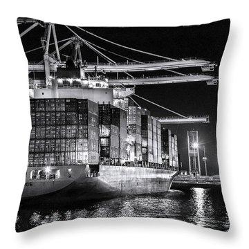 Brooklyn Bridgebw By Denise Dube Throw Pillow