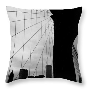 Brooklyn Bridge No.2 Throw Pillow