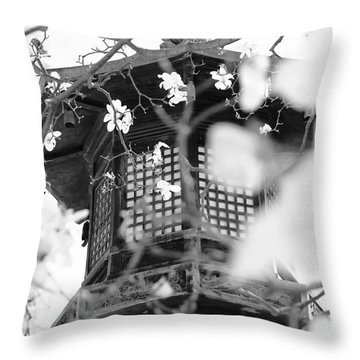 Buddhist Temple In Black And White - Ornate Lamp Post Throw Pillow