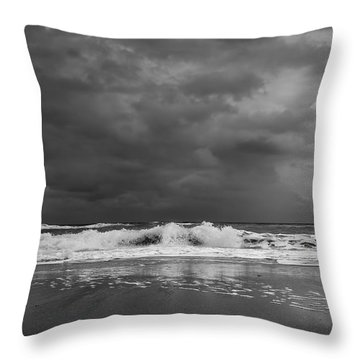 Bw Stormy Seascape Throw Pillow
