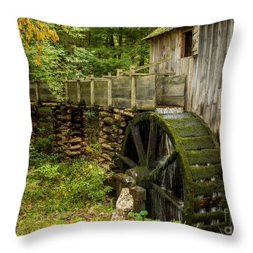 Cable Mill Cades Cove Throw Pillow