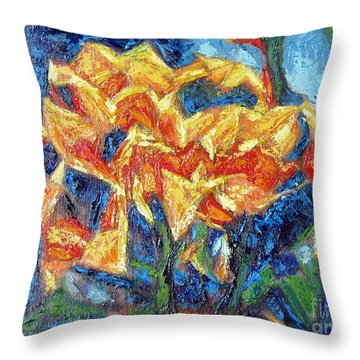 Cabo Floral II Throw Pillow