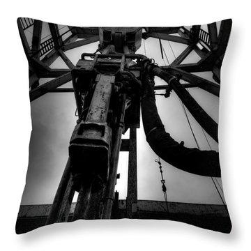 Cac001bw-13 Throw Pillow