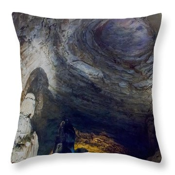 Cacahuamilpa 2 Throw Pillow