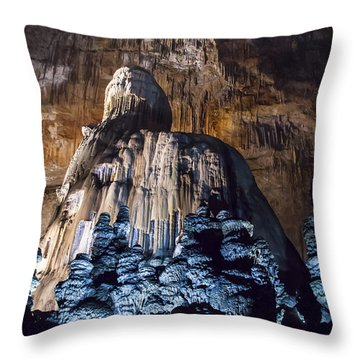 Cacahuamilpa 4 Throw Pillow