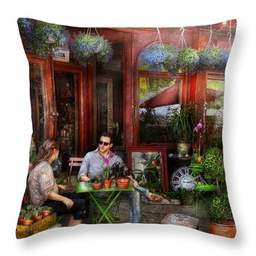 Cafe - Hoboken Nj - A Day Out  Throw Pillow by Mike Savad