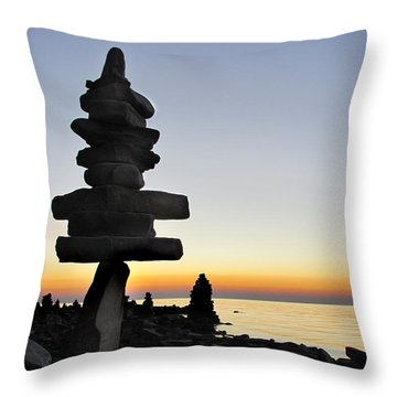 Cairns At Sunset At Door Bluff Headlands Throw Pillow