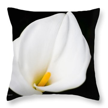 Calla Lily Flower Face Throw Pillow