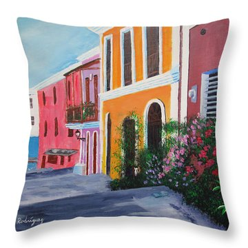 Callejon En El Viejo San Juan Throw Pillow by Luis F Rodriguez