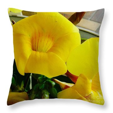 Canario Flower Throw Pillow